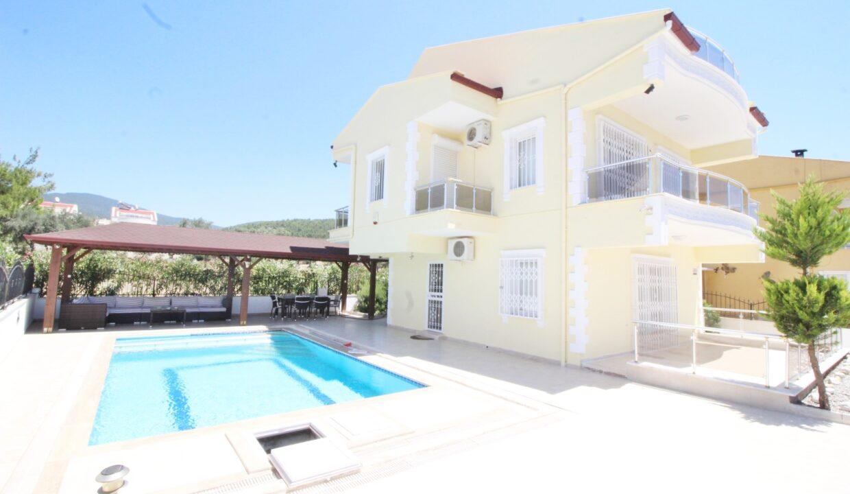 Allens Villa Kiyi (1)