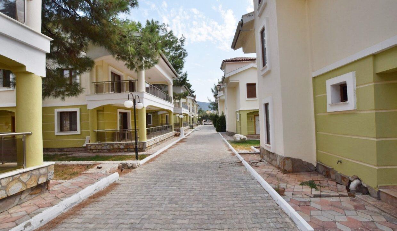 Country Villa (2)