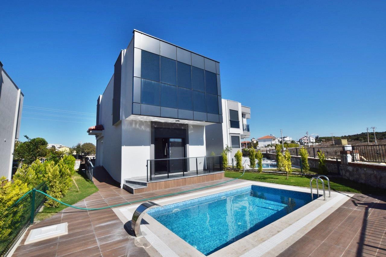Detached Villa with Private Pool in Didim