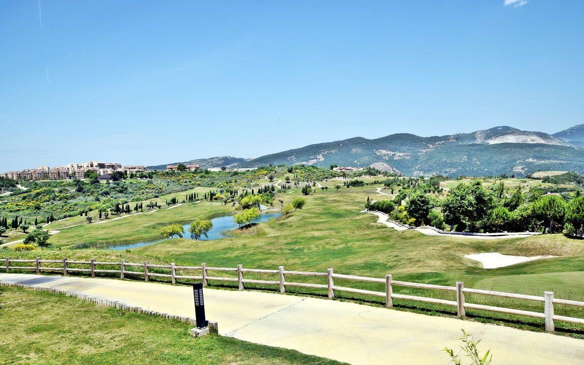 Golf Resort (5)