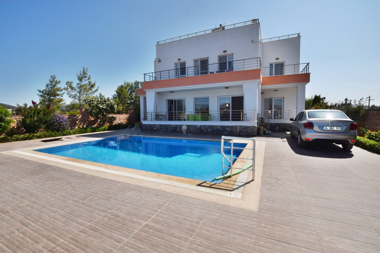 Detached Villa in Greenhill