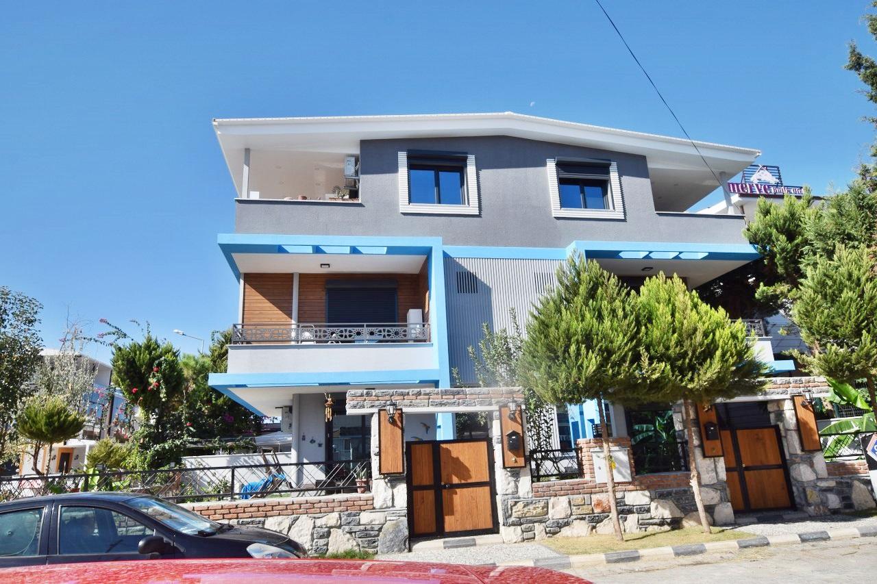 Altinkum Villa For Sale