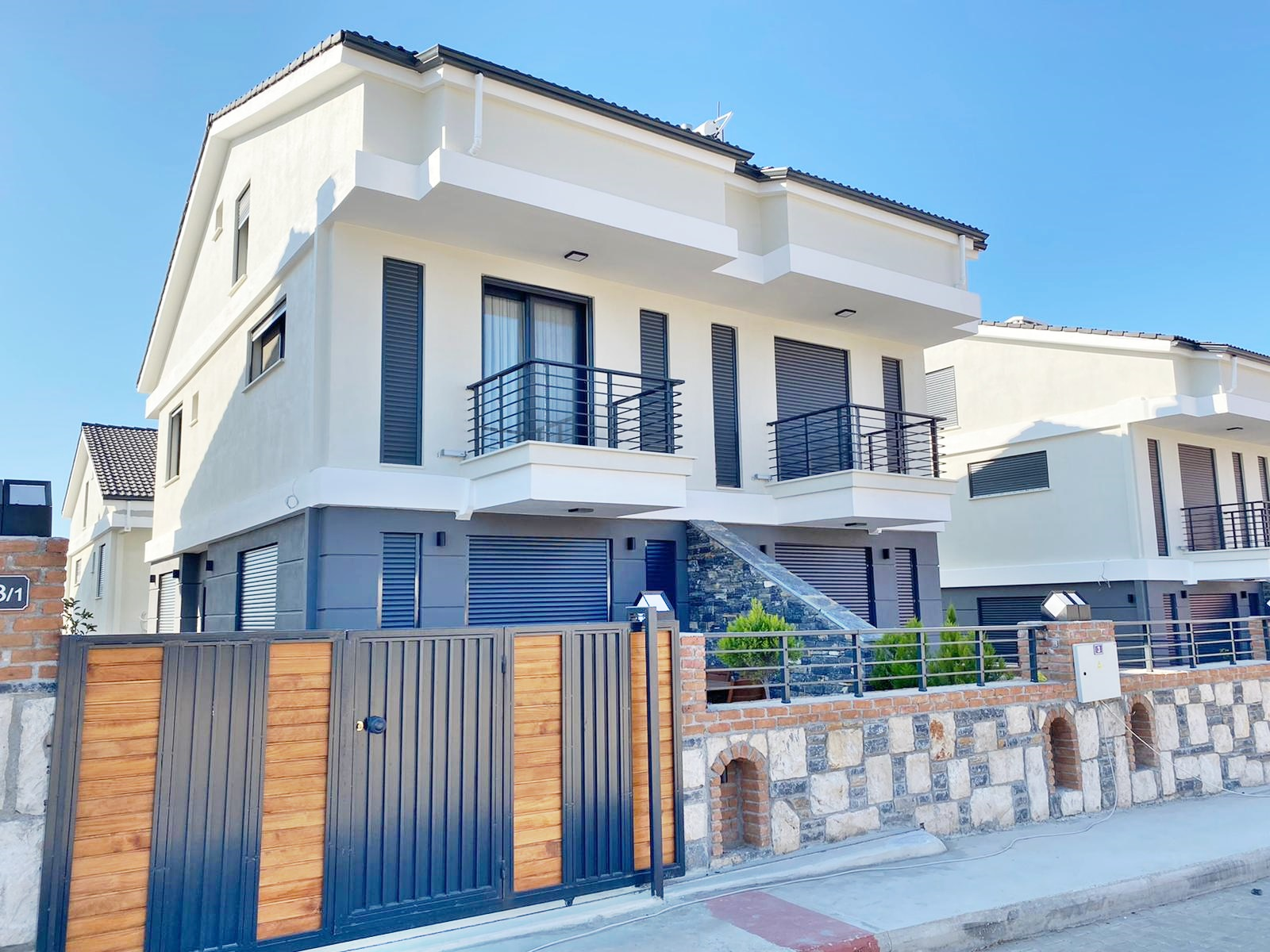Ready To Move in Semi-detached Villas – Perfect for Family Holidays