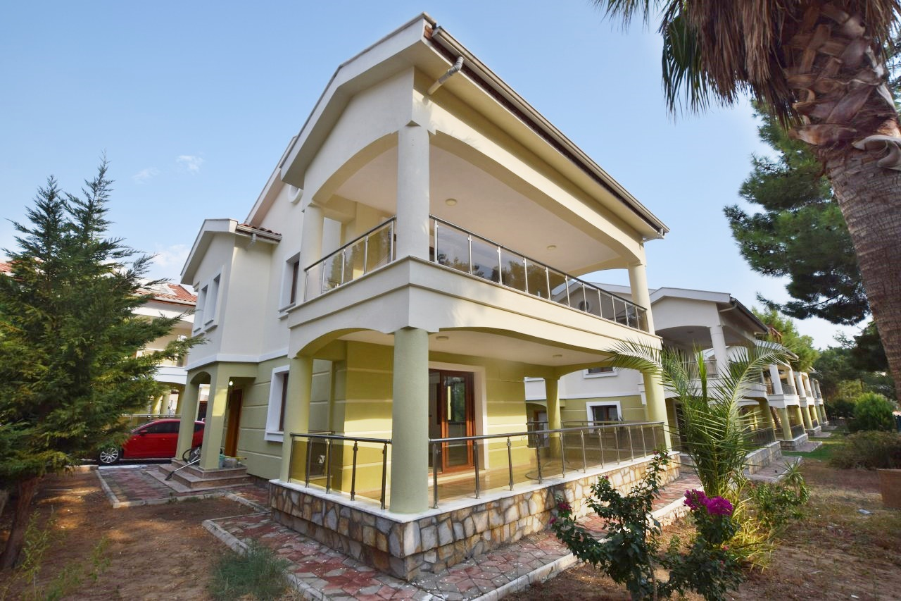 Bargain Detached Villa in Akbuk