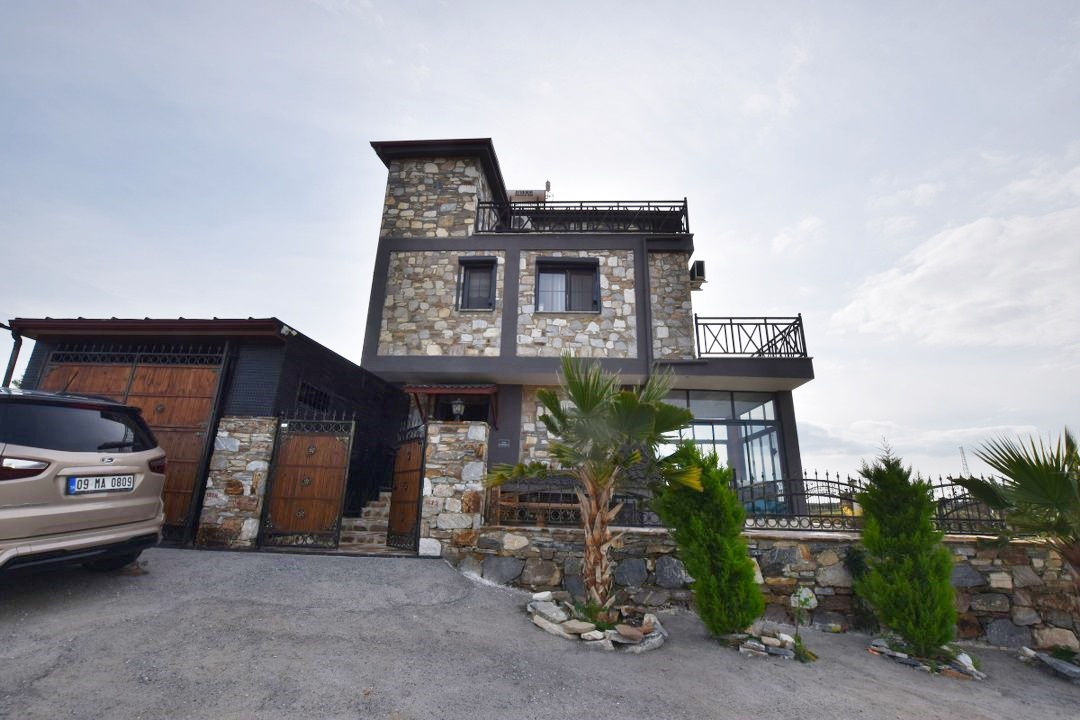 Stone House (3)