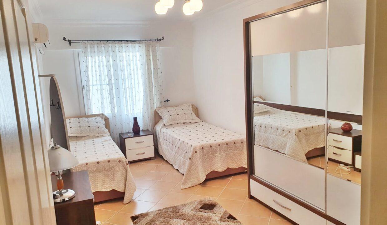 Golden Park 2 bed duplex (8)