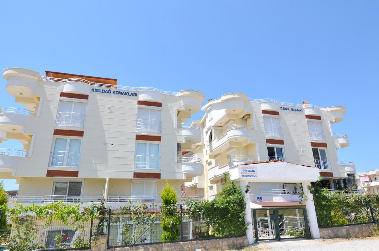 Buy-to-let Apartment in Altinkum – Short walk to the beach