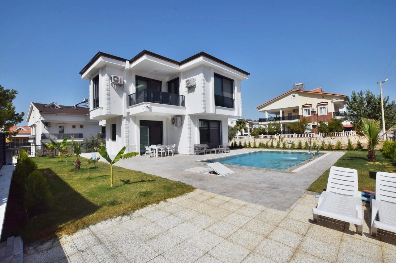 Family Holiday Home in Akbuk – Modern 5 Bedroom Detached Villa